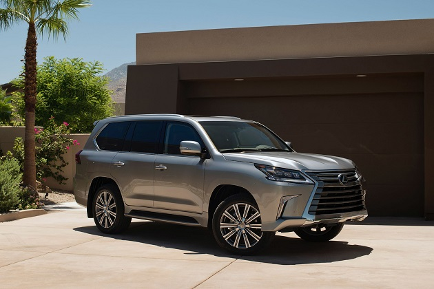 Updated+2016+Lexus+LX+570+bows+in+Monterey